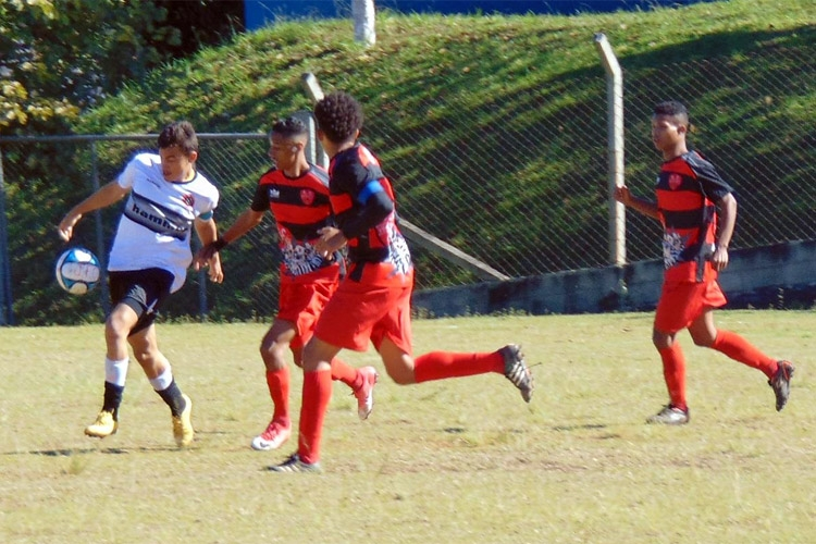 Campeonato de Juniores da Liga segue indefinido